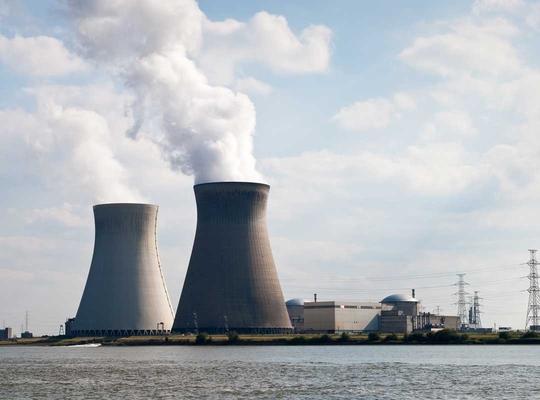 Maintenir les centrales nucléaires en activité plus longtemps pour éviter une pénurie d'énergie